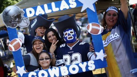 Fanáticos de los Cowboys de Dallas están listos para apoyar a su equipo...