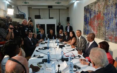 Obama promete a opositores no dejarlos solos
