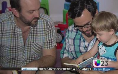 Habla pareja gay que demandó a Florida por no reconocer su matrimonio