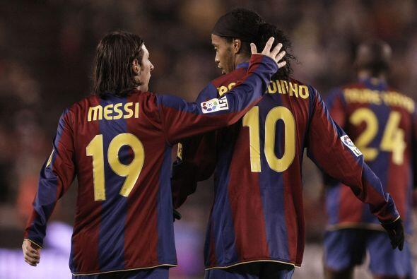 Cuando fue fichado por el Barcelona se vendieron 20 mil playeras en un día.