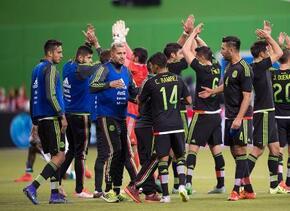 Juan Carlos Osorio sigue invicto al frente del Tri, ahora con nuevos jug...