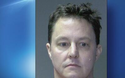 Un hombre irrumpió en una vivienda y agredió a una anciana en Long Island