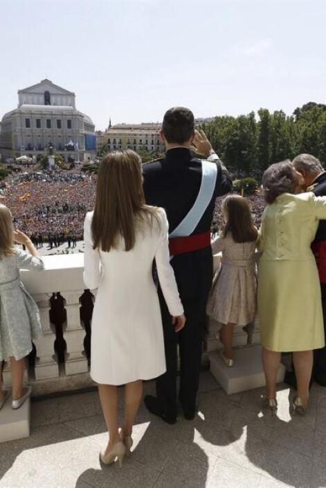 La euforia se desborda entre los miles de asistentes que se reunieron en...