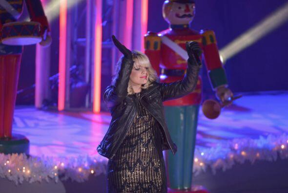 Pese al frío invernal, la cantante le inyectó mucha energ&...