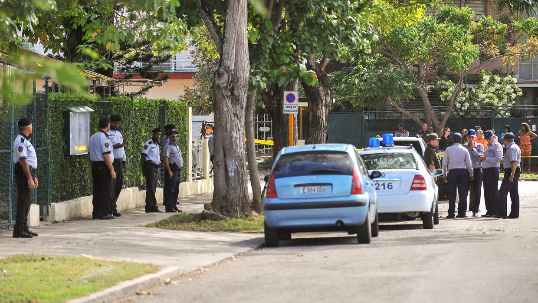 Policía cubana
