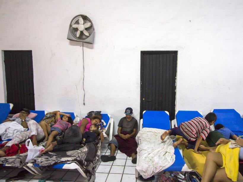 Puerto Vallarta recibe al potente huracán Patricia GettyImages-493967084...