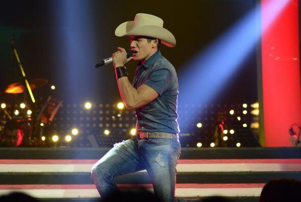 Fernando mostró todo su carisma en el escenario.