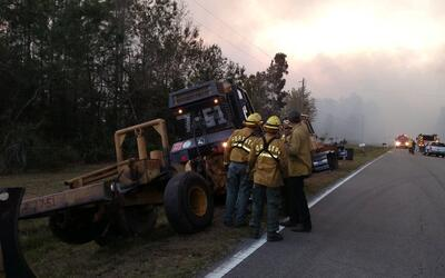 Un incendio en Florida arrasa 400 acres y varias casas