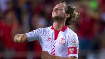 El croata salvó el triunfo para el Sevilla en el tiempo de descuento.