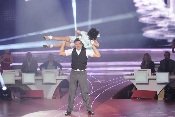 Pues Meli bailó con bastante precisión e hizo todas las vu...