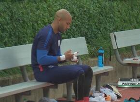 Jürgen Klinsmann: 'Brad Guzan es el titular y Tim Howard es el suplente'