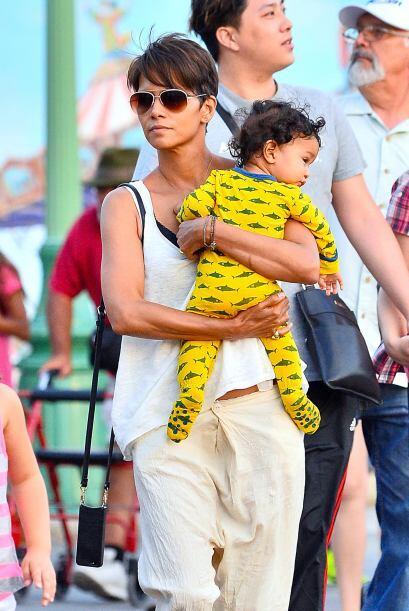 La famosa nos presumió a su bebito, Maceo. Mira aquí m&aac...