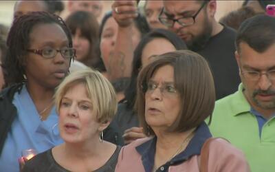 San Bernardino se ha unido a una vigilia tras el tiroteo en la primaria...