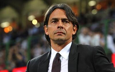 El entrenador italiano dejará el cargo de técnico de los rossoneros.