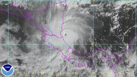 El huracán Otto se acercó a la costa caribeña de Costa Rica y Nicaragua...