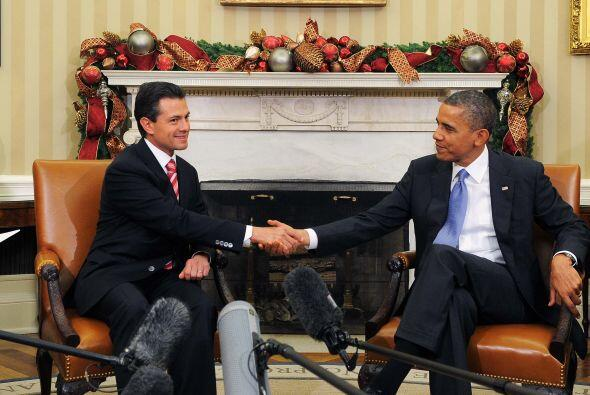 En el marco de su gira internacional como presidente electo, Peña Nieto...