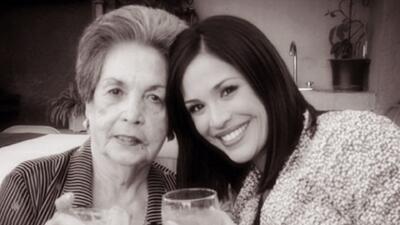 Karla Martínez despidió a su abuelita
