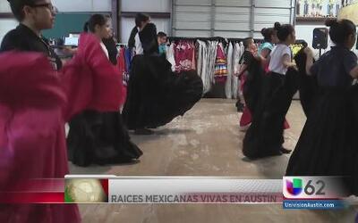 Mexicanos en Austin celebran con música y danza El Grito