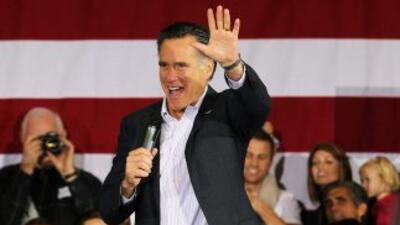 Mitt Romney, que ahora cuenta con el apoyo del millonario Donald Trump,...