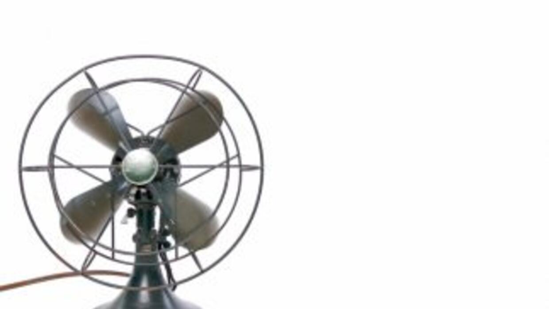 Un ventilador estuvo a punto de cancelar un debate de candidatos a la go...