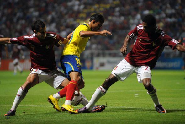 El encuentro se jugó en el  Estadio Metropolitano de Barquisimeto...