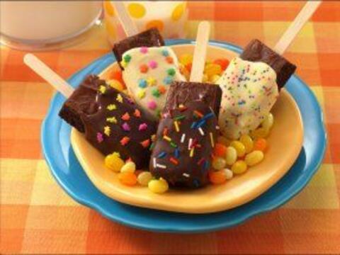 Paletas de brownies: Estas paletas son una buena forma de preparar y deg...
