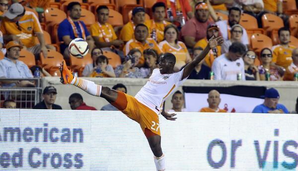 Boniek seguirá en Houston Dynamo, club al que llegó en 2012.