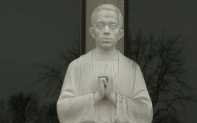 Sacerdote de Quincy podría convertirse en el primer santo de raza negra...