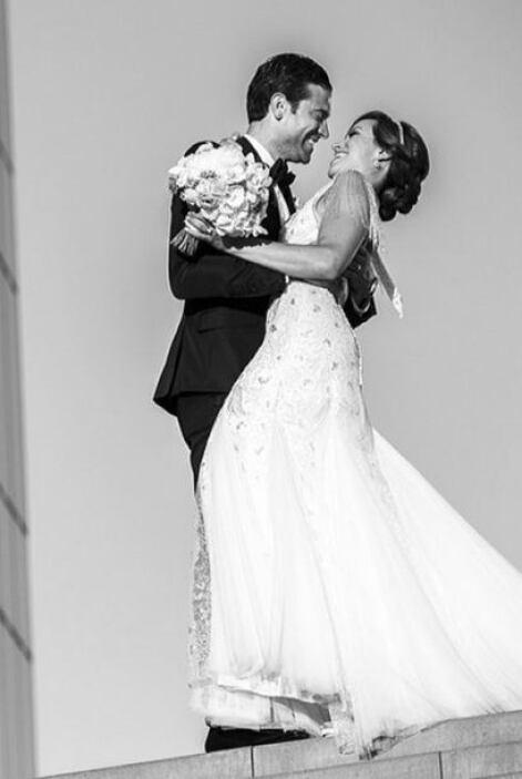 """""""A petición de @karlatvmartinez aquí está la foto de mi boda. También es..."""