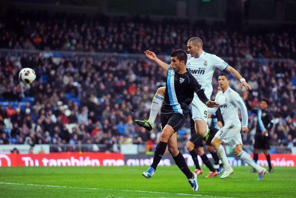 Sin embargo, poco después se reivindicó con un gran remate y ese gol sí...