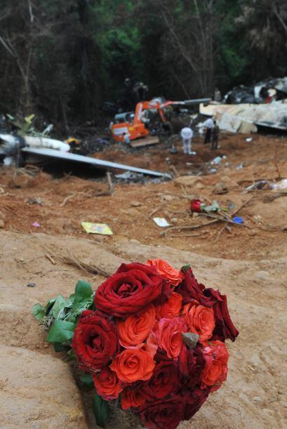 22 de mayo: Fallecen 158 personas al estrellarse un Boeing-737 de Air In...