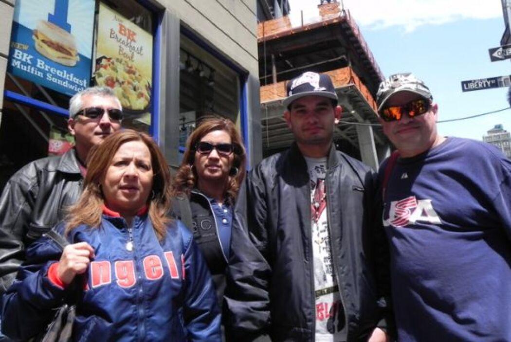 Encontramos a las familias Luz y Rodriguez que visitando de Orlando, Flo...