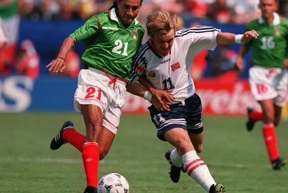 El primer juego del Tri fue ante la Selección de Noruega, donde M...