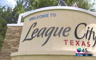 Demandan a League City por rechazar a niños migrantes