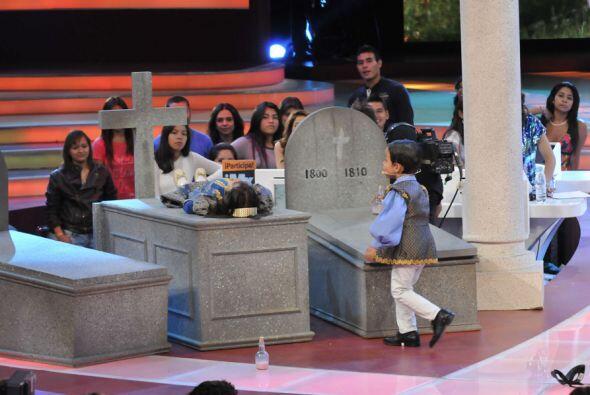 Un gran susto se llevó Javier al ver a su amada tendida en su tumba, ¿se...