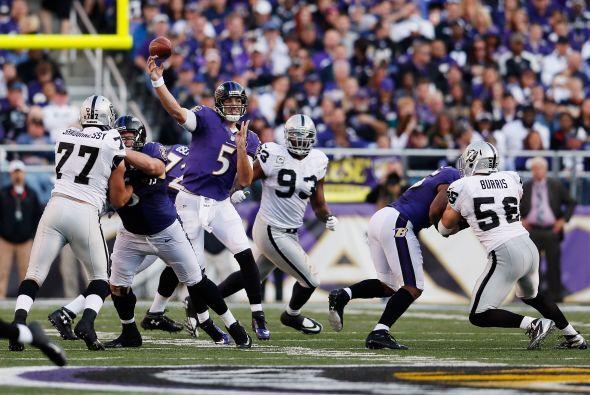 Joe Flacco lanzó para 341 yardas y tres TDs, para que los Ravens estable...