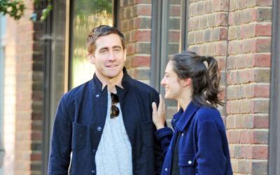 Jake Gyllenhaal flechado por Cupido