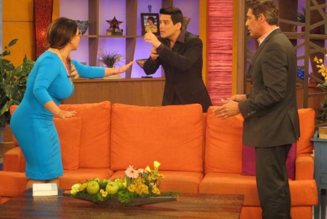 ¡Sorpresa! Alejandro Chabán interrumpió el momento romántico y le prohib...