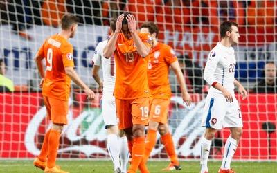 Holanda cayó y no irá a la Eurocopa 2016
