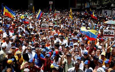 Oposición venezolana vuelve a protestar en las calles, a pesar de las ad...
