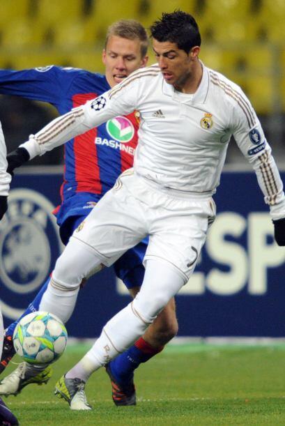 Por fin debutó el Real Madrid en los Octavos de Final de la actual Champ...
