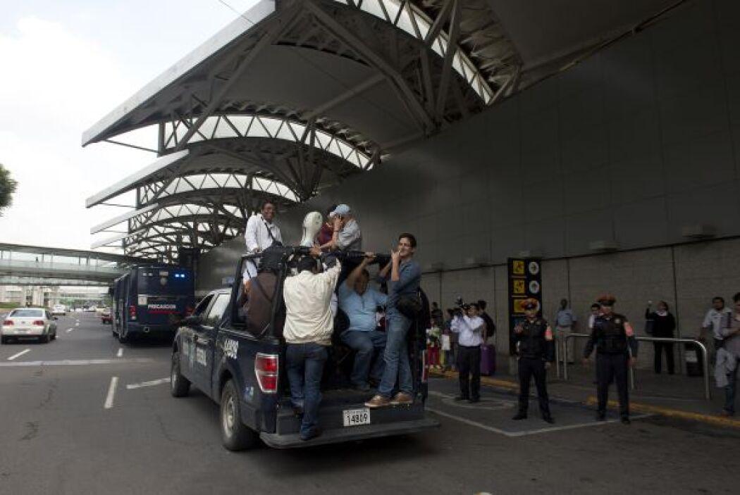 Los manifestantes impidieron el acceso de vehículos y pasajeros al edifi...