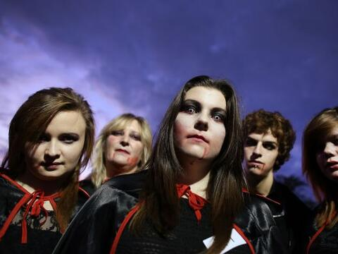 Estos vampiros se juntaron para romper el récord de la concentrac...