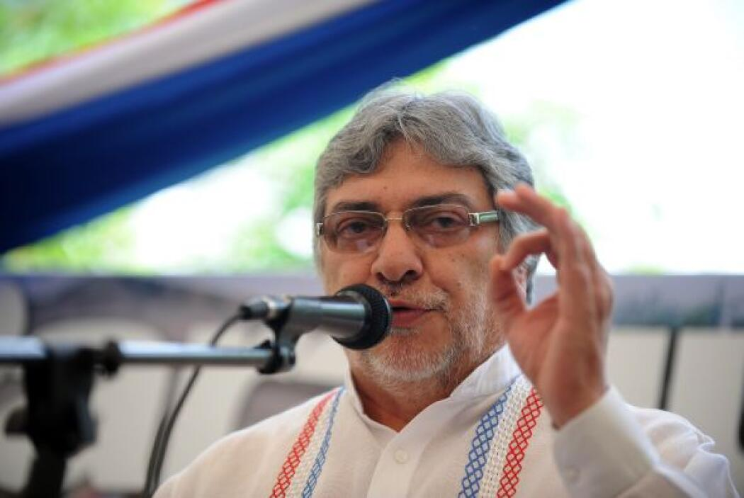 22 de junio. El Congreso de Paraguay destituye del cargo, al término de...