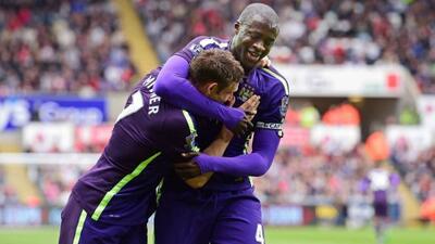 Yaya Touré y James Milner iniciaron la lluvia de goles 'Citizens'.