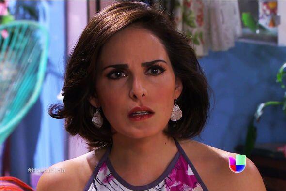 ¡Ahhh! Pero Araceli no te quita un ojo  de encima, aún te desea con toda...