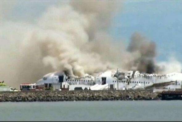 Un avión de la compañía aérea Asiana se estrelló en el Aeropuerto de San...