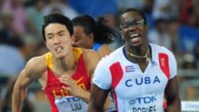 Robles, que había ganado la final mundialista de 110 metros vallas con u...