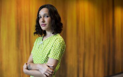 La cantautora Ileana Cabra, mejor conocida como iLe.