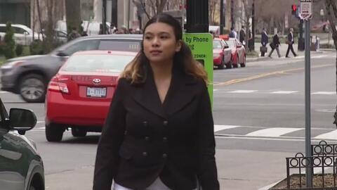 Joven acusa a Washington DC de haberle negado una beca porque su madre e...